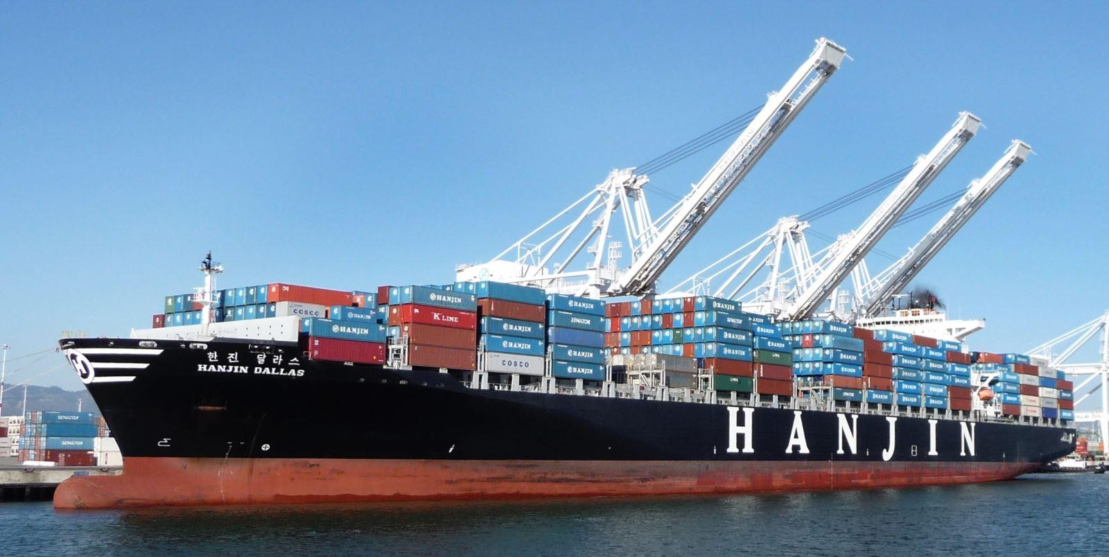 Vận tải biển èo uột, khai thác cảng tăng ngoạn mục